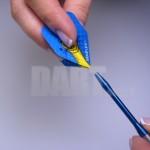 Jak włożyć piórko dart